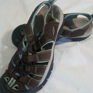 Q7e Keen H2 Waterproof Sandals Womens Size 10